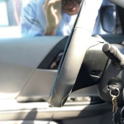 """""""I locked my keys in my car"""" What you should and shouldn't do."""